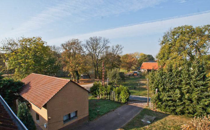 Gebäudeensemble in Lüdersdorf bei Wriezen -Mehrfamilienhaus - Ferienhaus - Stall
