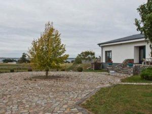 Einfamilienhaus Ferienwohnungen und Halle in Sommersdorf