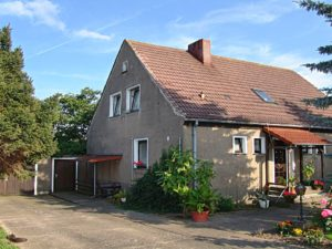 Einfamilienhaus in Lüdersdorf - Hundepension Pferdehaltung usw.