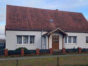 Einfamilienhaus und separates Ferienhaus in der Mecklenburgischen Kleinseenplatte